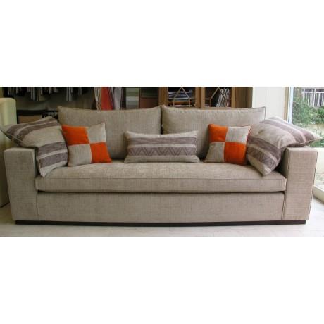Καναπές τριων (3) θέσεων